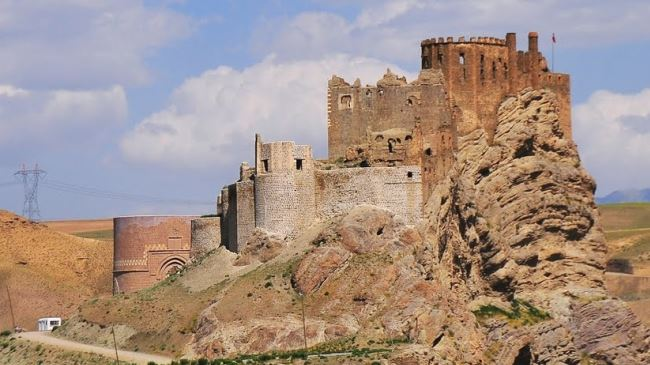 Alamut-Fortress