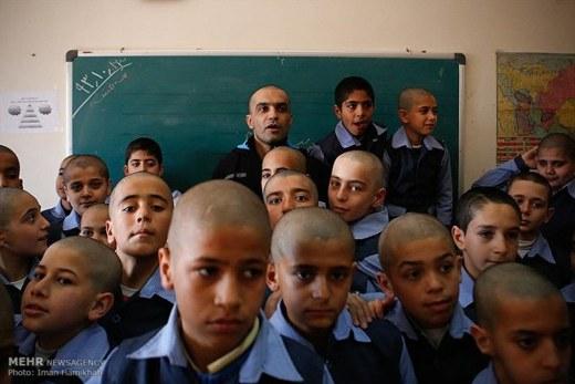 Iranian students and teacher5