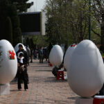 Painting Eggs_0524