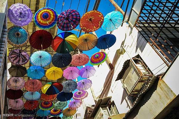 Beco de guarda-chuva em Shiraz (fotos)