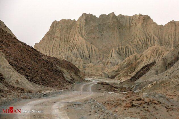 Splendid Beauty of Martian Mountains in SE Iran (5)