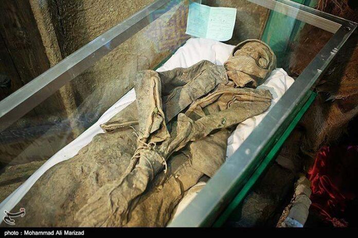 Iranian divers killed