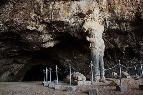 Shapur Cave-62