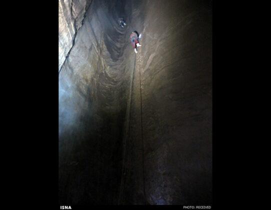 Parau Cave in Iran