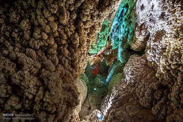 Chal-Nakhjir Cave10