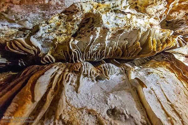 Chal-Nakhjir Cave3