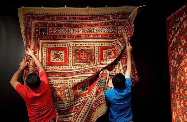 hand-woven carpet00