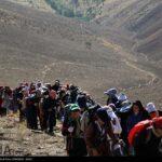 Iranian women scale mountain-4520464