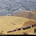 Iranian women scale mountain-4520478