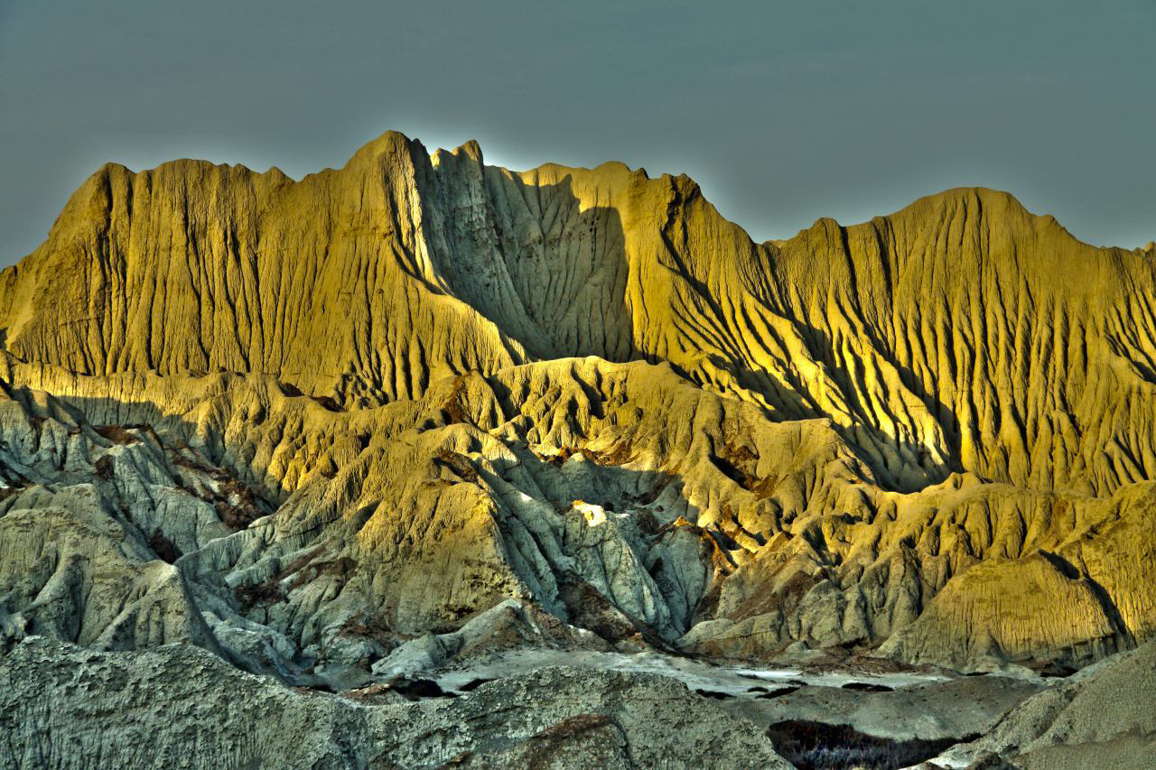 Martian mountains in southeastern Iran