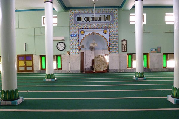 Inidian style mosque in southeastern Iran