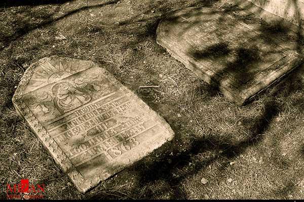 cemetery160643_343