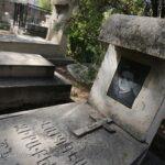 cemetery3689062_287