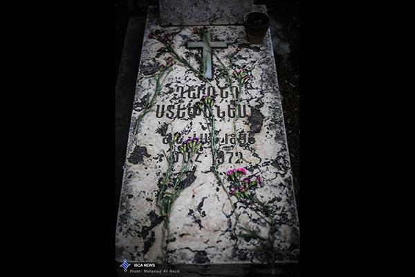 cemetery90561976_b