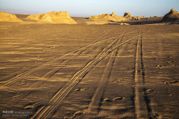 Remarkable desert formations in southeastern Iran (21)