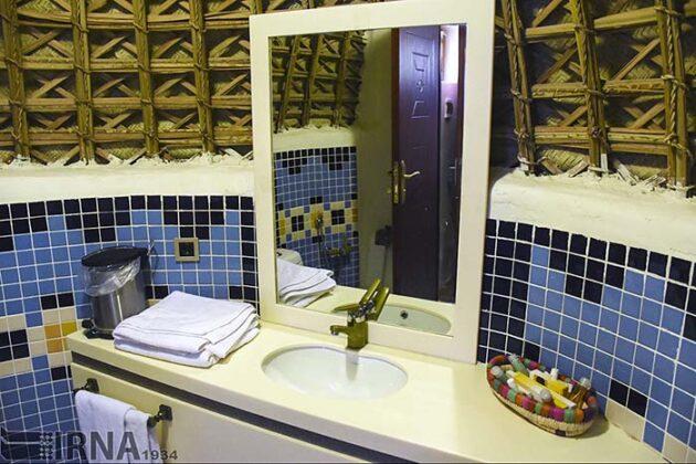 Mud-Hut Hotel-5037599