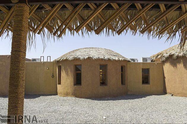 Mud-Hut Hotel-5037601