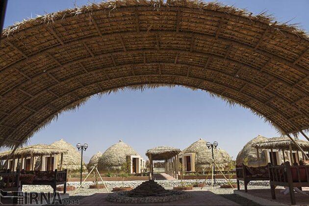 Mud-Hut Hotel-5037609