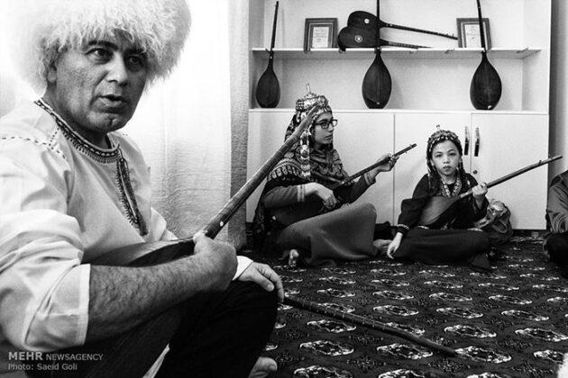 Turkmen Musicians (6)