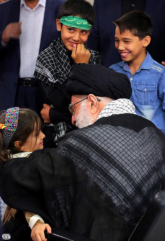 Ayatollah Khamenei-4-Year-Old Girl (2)