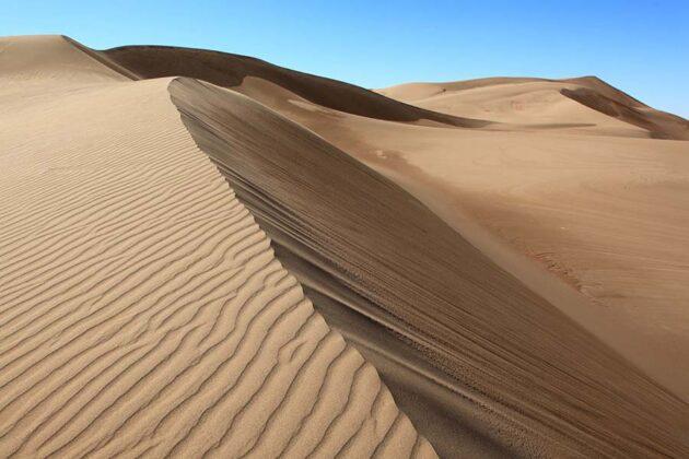 Sand dunes in Rig-e Yallan, Iran