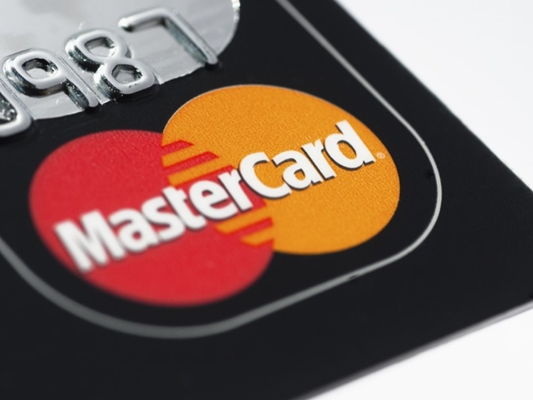 Mastercard-Credit-Card-iStock_000016248353_Medium-940x529