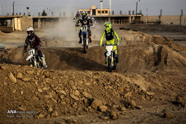 Off-Road Motorcycle Race2_b