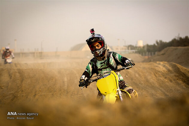 Off-Road Motorcycle Race3_b