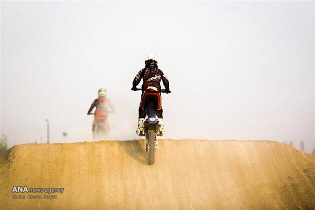 Off-Road Motorcycle Race52_b