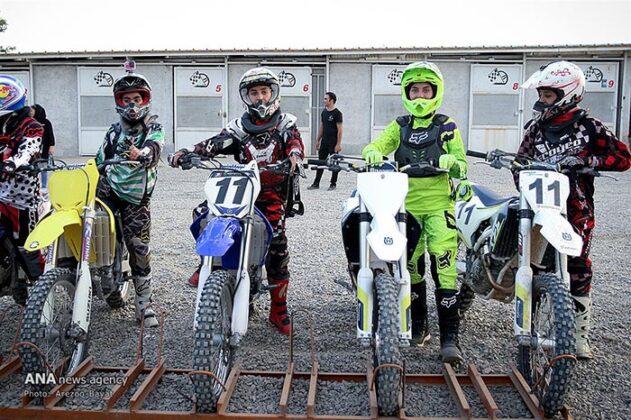 Off-Road Motorcycle Race57_b