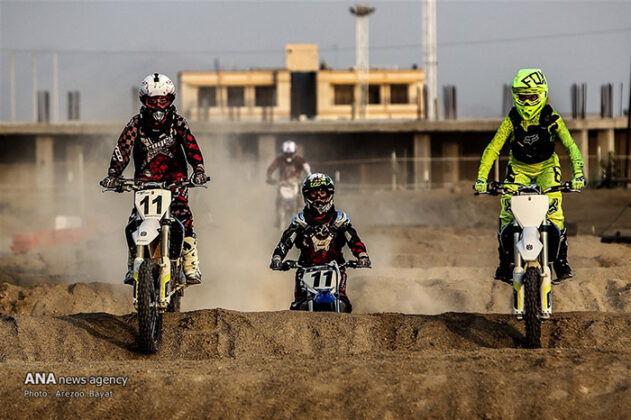 Off-Road Motorcycle Race5_b