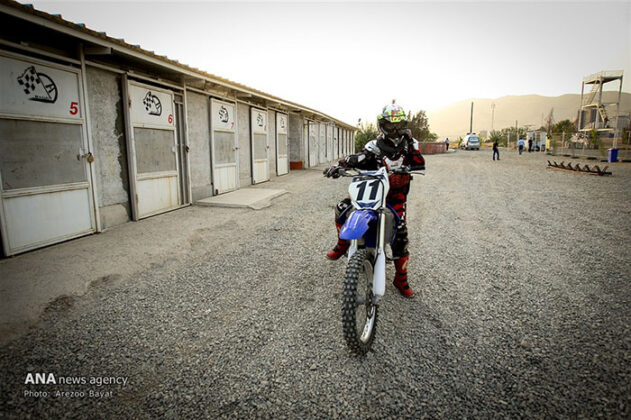 Off-Road Motorcycle Race76_b