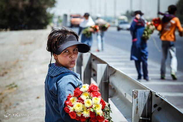 children- flowers_173