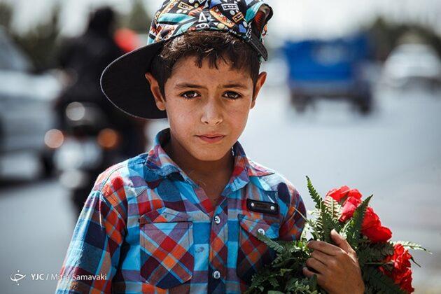children- flowers_342