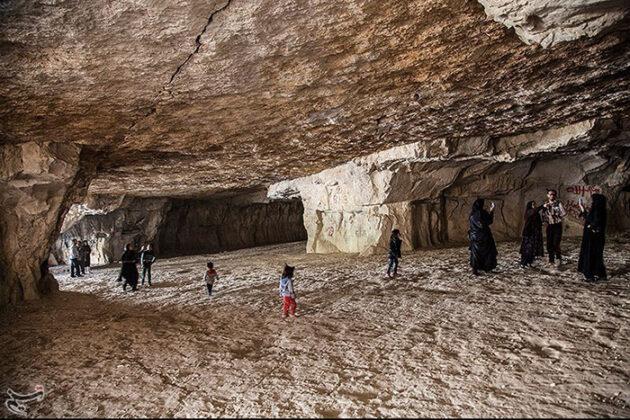Dastkanan Cave