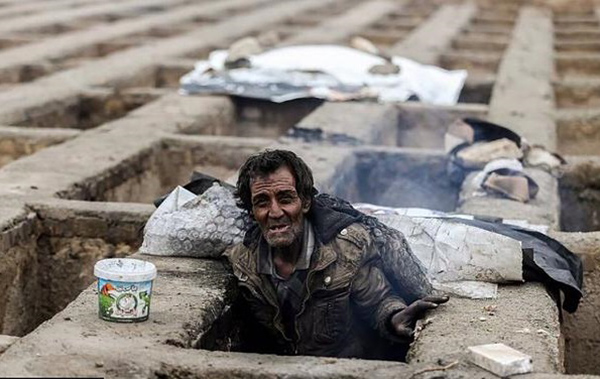 homeless junkies living inside graves draw widespread reactions in iran