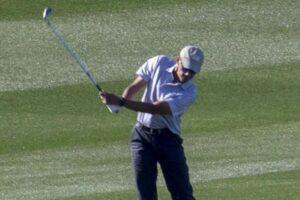 Obama Golf playing