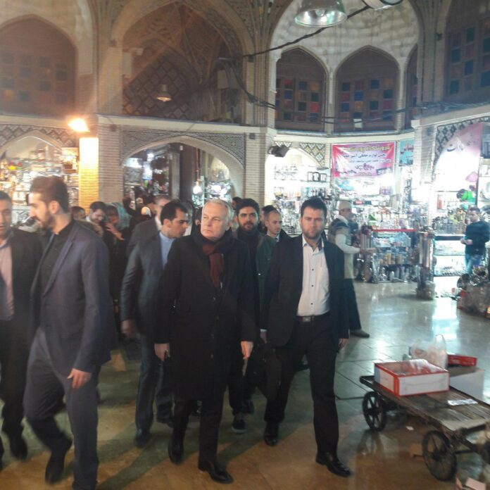 وزیر خارجه فرانسه در بازار تهران