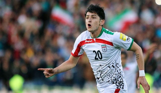 اللاعب الإيراني الدولي سردار أزمون
