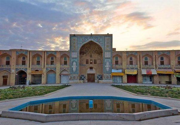 16 - الاثارالتاريخية في كرمان الايرانية