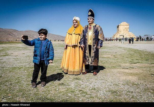 شيراز .. سياح النوروز في باسارغاد-12