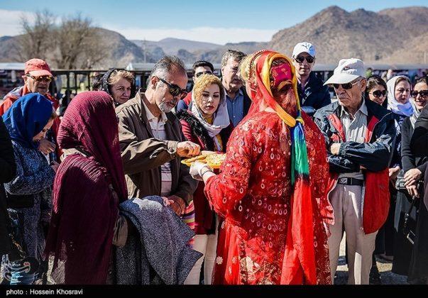 شيراز .. سياح النوروز في باسارغاد-7