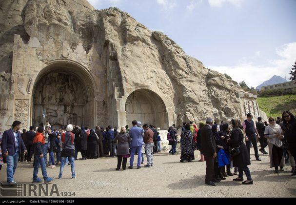 """سياح عيد النوروز في """"طاق بستان"""" الاثري بكرمانشاه الايرانية-22"""