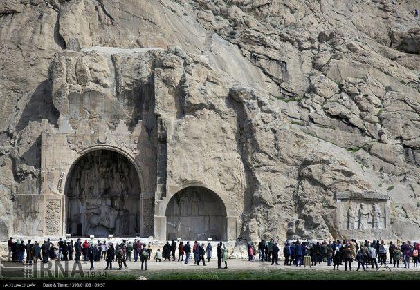 """سياح عيد النوروز في """"طاق بستان"""" الاثري بكرمانشاه الايرانية-88"""