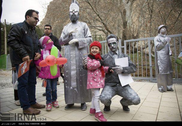 """سياح عيد النوروز في """"طاق بستان"""" الاثري بكرمانشاه الايرانية-3"""