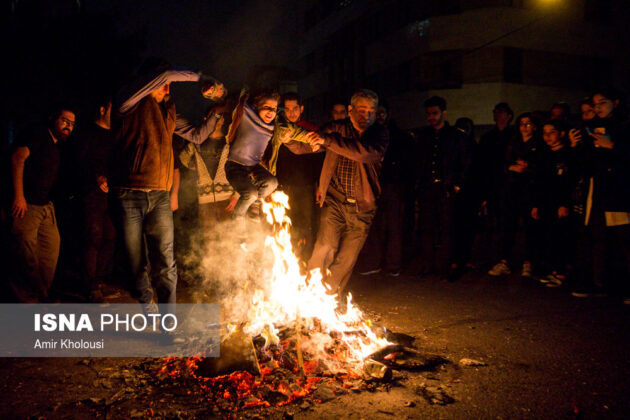 Iranian People Celebrate Persian Fire Festival (14)