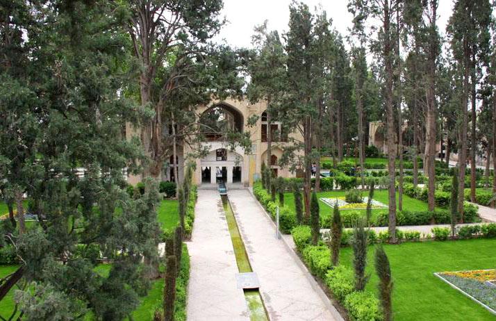 Turning Iranophobia into Iranophilia
