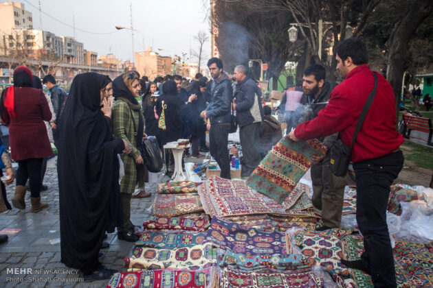 Iranian People Preparing for Nowruz (11)