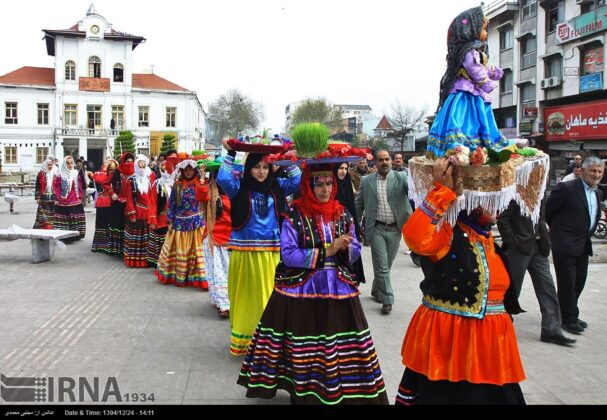 'Nowruz Khani', Tradition to Show Gratitude towards Spring's Arrival (4)