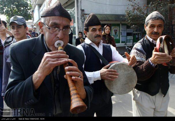 'Nowruz Khani', Tradition to Show Gratitude towards Spring's Arrival